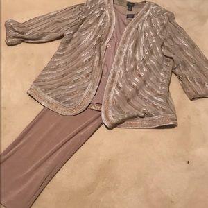 Beautiful 3 piece Chico's pant set blush color